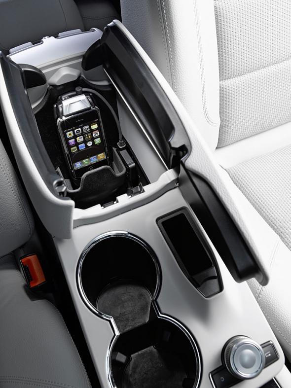 mb-iphone-cradle-1.jpg