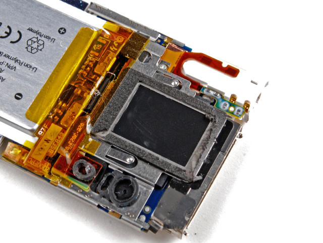 taking photos with iphone teardown shows iphone could fit inside ipod touch 16249