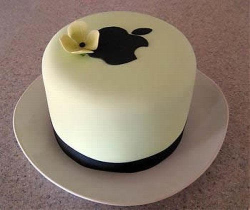 The kind of minimalist Apple-logo cake Steve Jobs might like