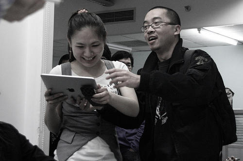 Hong Kong iPad Buyers Photo credit: keso@flickr.com