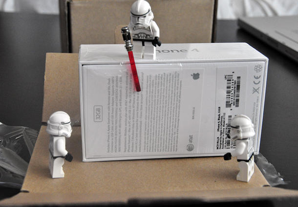 Stormtroopers Unpack the iPhone 4 (Image: clone77.posterous.com)
