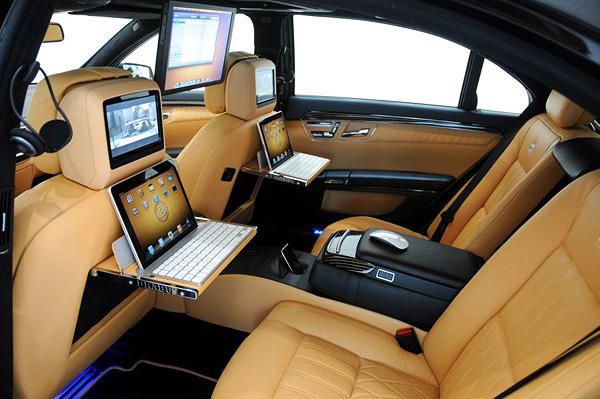 The ipad car arrives introducing ibusiness your office for Interieur voiture de luxe
