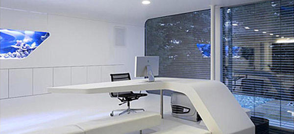 Warp into the future with this high tech mac home office for Bureau high tech
