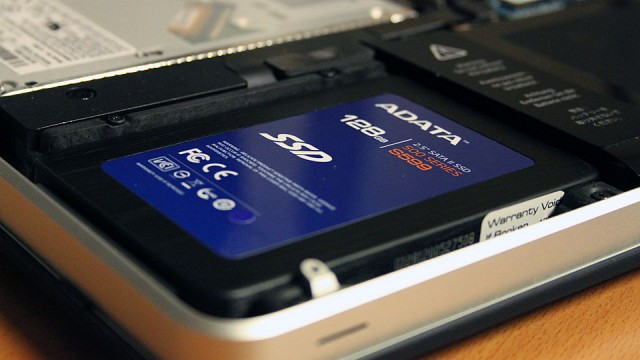 2011 MacBook Air Unboxing: i7 256GB SSD - video …