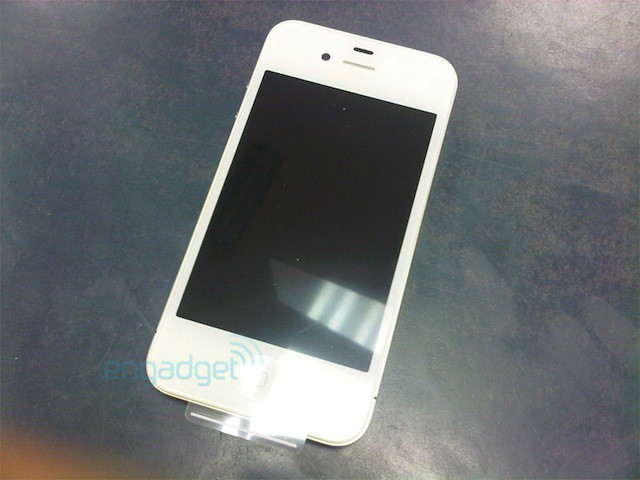 white-iphone-4-vodafone