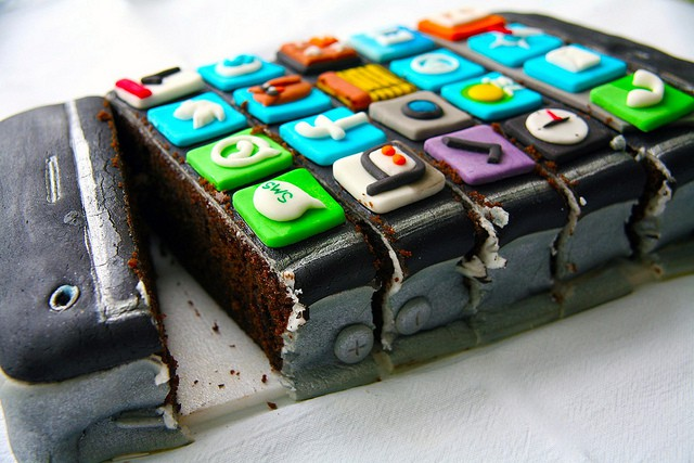 Astounding Happy Birthday Iphone Heres Four Years Of Iphone Birthday Cakes Funny Birthday Cards Online Aeocydamsfinfo