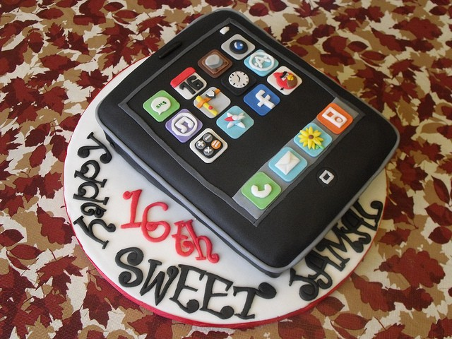 Happy Birthday iPhone Heres Four Years Of iPhone Birthday Cakes