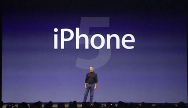 Steve-Jobs-iPhone-5