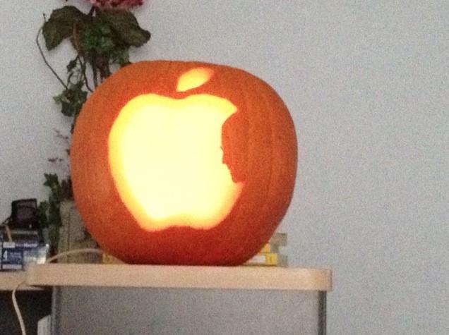 recipe: apple pumpkin carving [15]