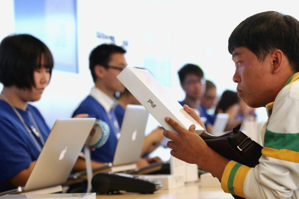 Apple Launches iPad 2 In China