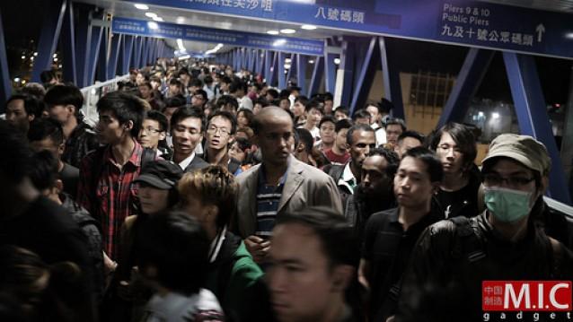 iPhone-4S-queues-Hong-Kong