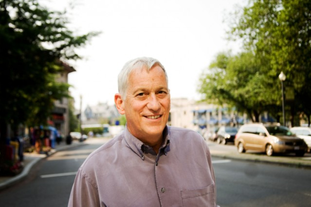 Walter Isaacson isn't in Jony Ive's good books.