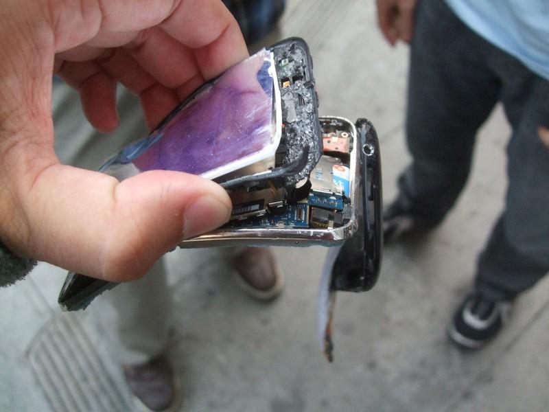 brokeniphone4