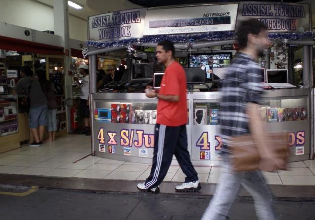 The electronics stores are set up like mini-malls. @Nicole Martinelli.