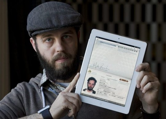 canada-border-ipad-passport