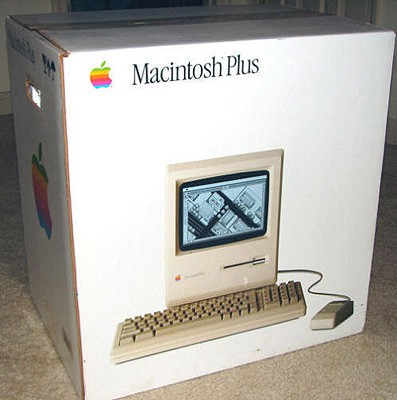 Macintosh Plus Box