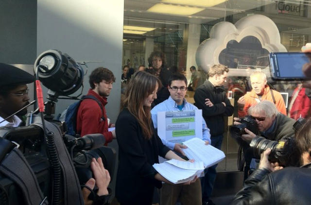 The protest at Apple's San Francisco store, via Cory Moll.