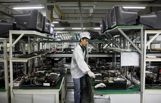 One of Foxconn's many assembly line workers who will hopefully benefit from the Lifestyle Services Manager hire