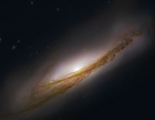 This image of the NGC 3190 Galaxy is the one Apple altered for Mountain Lion.