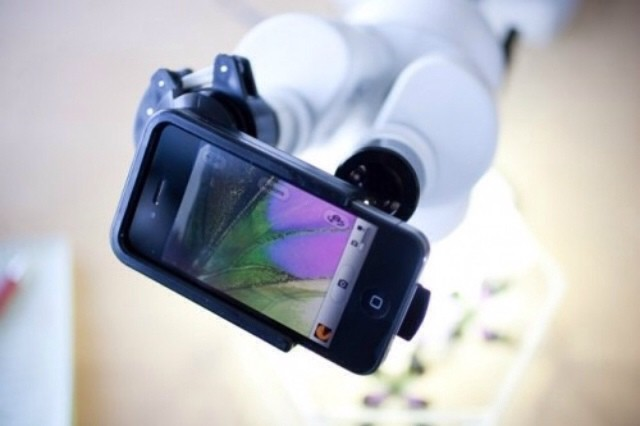 Magnifi case turns microscopes and telescopes into iphone lenses