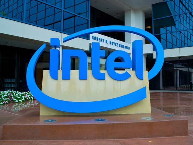 Intel falls flat trying to claim it can convince Apple to use its chips in iPads and iPhones