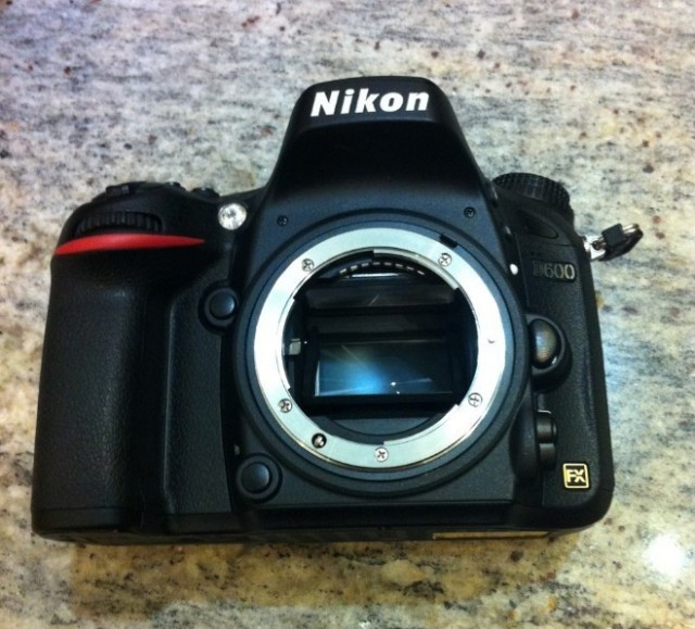 Nikon-D600-front-640x579