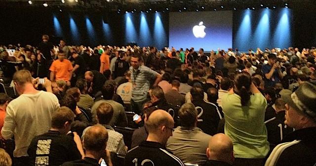 The crowd at WWDC 2012. @Chris Lott.