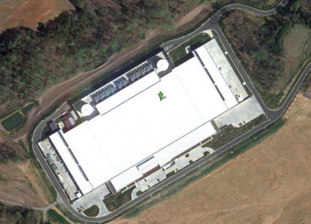 Bird's-eye view of Apple's NC data center.