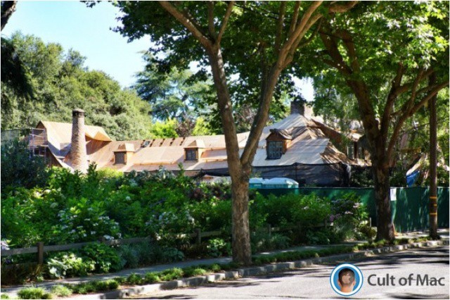 Jobs's Palo Alto home while undergoing renovation.