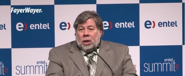 Steve Wozniak speaking at the Entel summit.