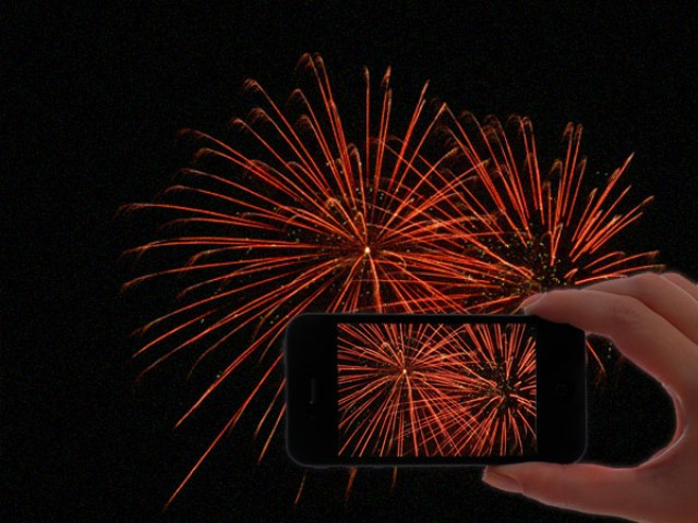 A few simple tips that will help you take better firework photos on your iPhone this Independence Day.