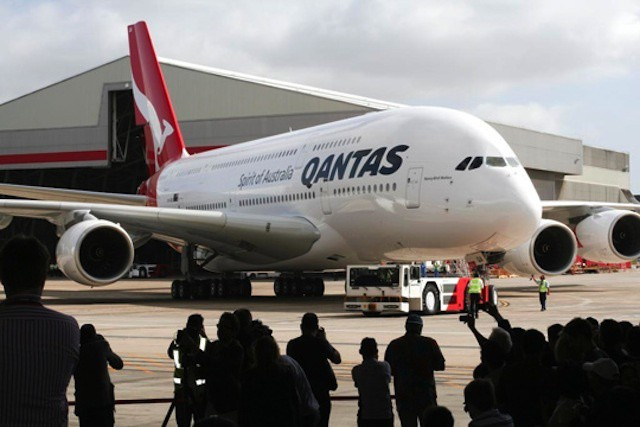 Qantas becomes the latest company to ditch the BlackBerry in favor of the iPhone.