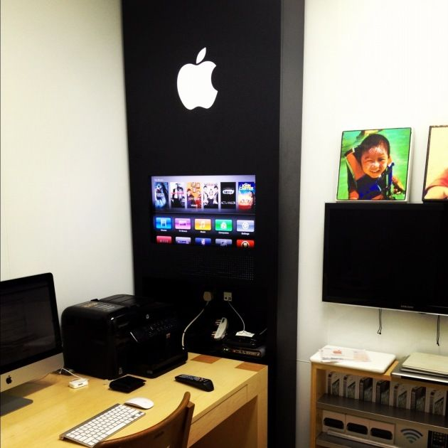 This Crazy Fan Recreated The Apple Store In His Home