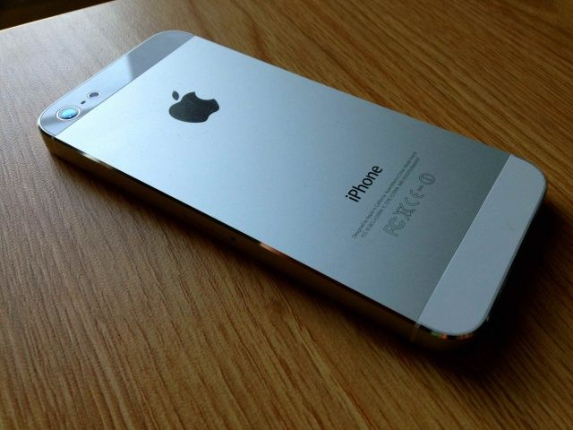 white iphone 5 when it comes to the iphone 5 white is the new black 13297