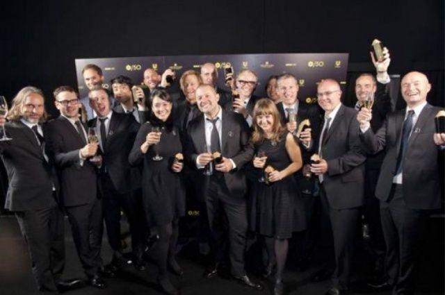 Jony Ive (center) with Apple's award-winning design team.