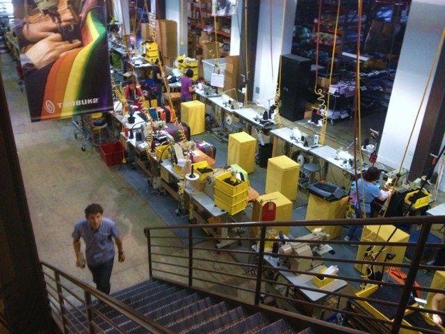 Timbuk2_factory_01_CULT_OF_MAC_APPLE_BAGS_MANUFACTURING_JOBS