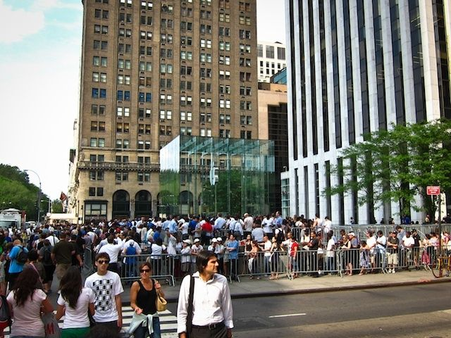 Even though iPhone 4 details leaked months before its launch Apple still sold 1.7 million iPhone 4s the first weekend