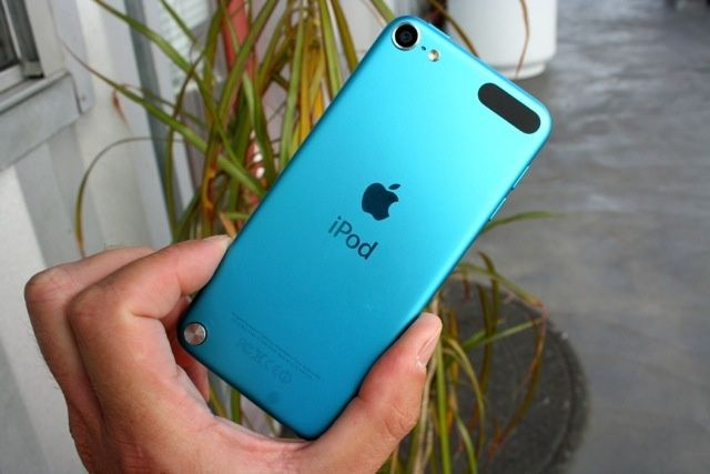 2012_iPod_touch_5th_gen_08