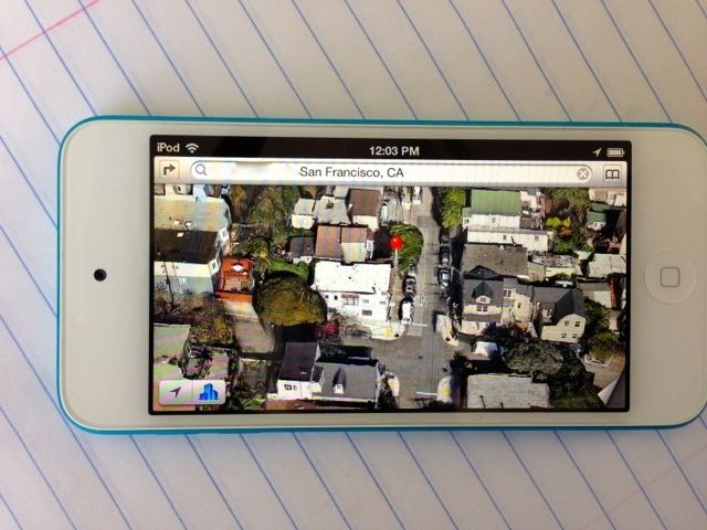 2012_iPod_touch_5th_gen_09