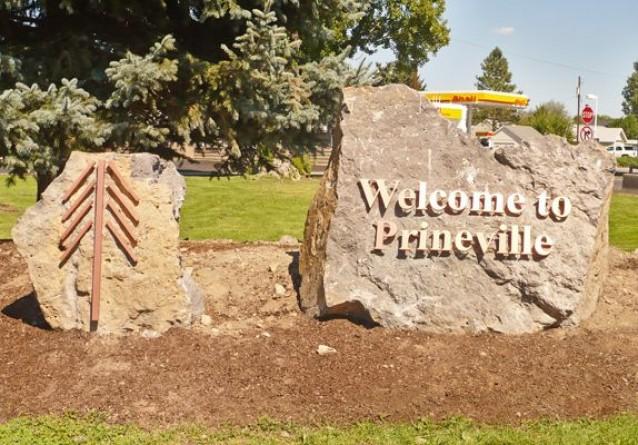 Amazon, Facebook & Google also have data centers in Prineville, Oregon.