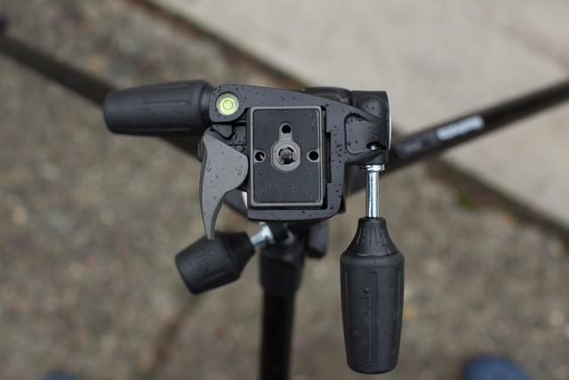 Manfrotto 294 carbon fiber tripod 11