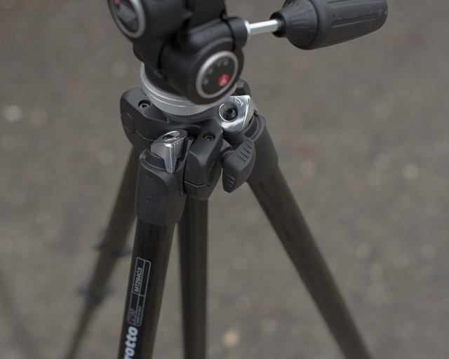 Manfrotto 294 carbon fiber tripod 5