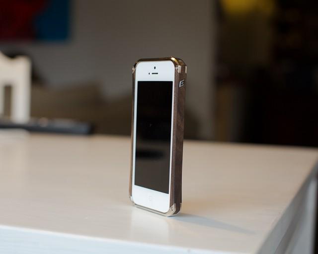 element-ronin-iphone-5-6.jpg