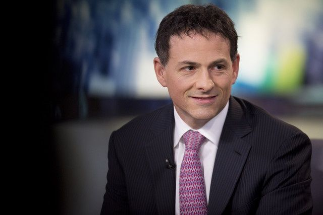 Hedge fund heavyweight David Einhorn just had a decisive victory in his crusade against Apple's limited stock options.