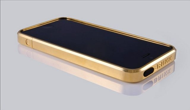 gold iphone 5 case this solid gold iphone 5 is the most expensive way to 14202