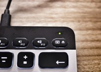 Logitech's Easy-Share Keyboard Is So Good, We Reviewed It
