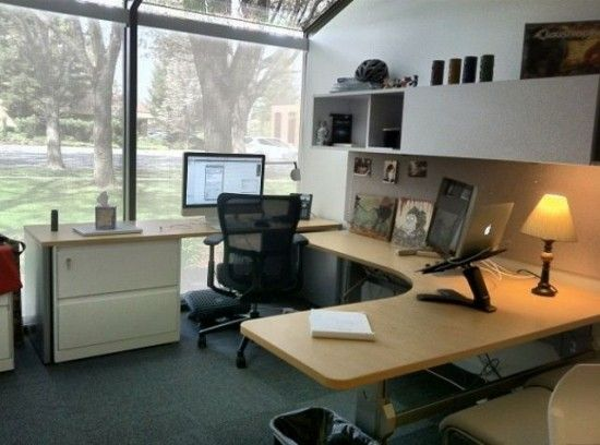 apple_office1-550x408