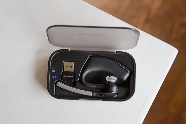 Plantronics Voyager Legend Uc Is Almost The Perfect Bluetooth Headset Review Cult Of Mac