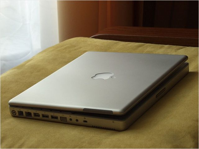 Apple-PowerBook-G4-12-inch_2