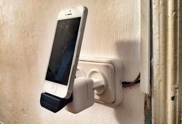 Minidock Turns Any Usb Charger Into A Wall Mounted Lightning Dock Review